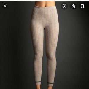 Lemon Clay/oatmeal colored Ribbed footless tights